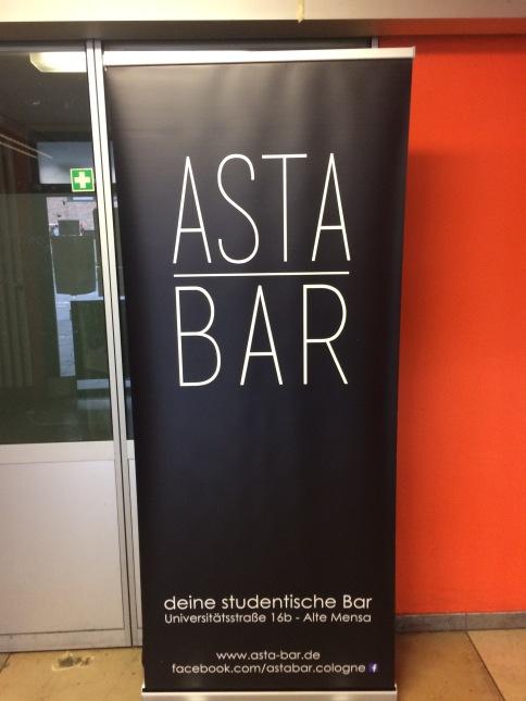 Werbung ist eben alles – auch für die AStA-Bar.