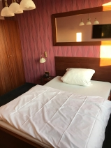 Auch klassische Hotelzimmer gibt es im Pascha, die nur von Männern gebucht werden können